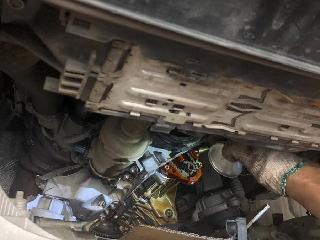 奔驰车发动机少机油,要及时维护保养,别拖故障才后悔!